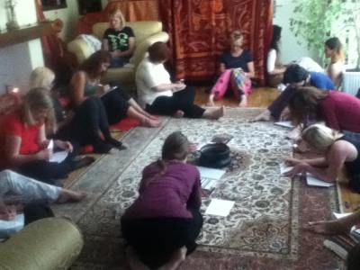 ženski krog na obredno-meditativni delavnici