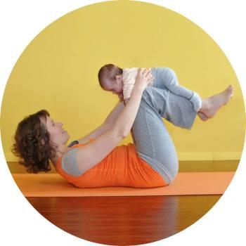 metka joga z dojenčkom
