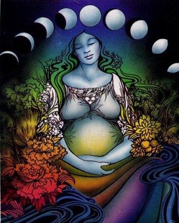 Tako kot nosečnost, je tudi materinstvo, predvsem v zgodnjih obdobjih, čakanje, čuječe opazovanje, mirovanje in predajanje. Je lunarna izkušnja. Sodobna družba še ni ustvarila družbene mreže, ki bi omogočala ženskam lunarne izkušnje in jim ponujala referenčne točke. To ustvarjamo pri Rdečem Šotoru in val se širi in širi do vsake ženske na svetu.