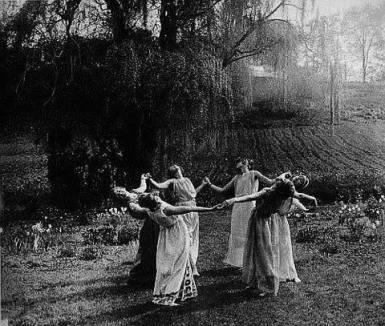 ženski krog ples